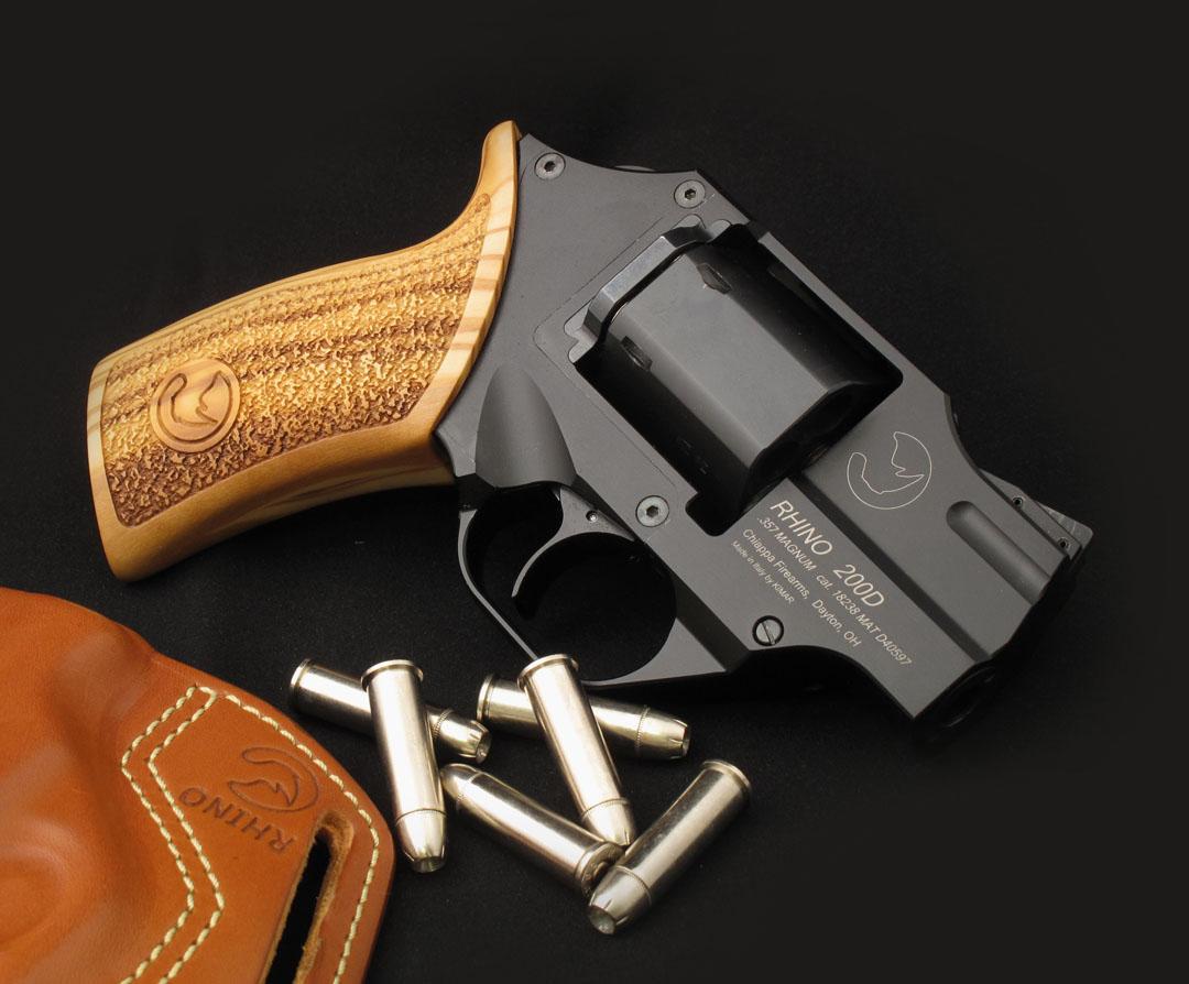 револьвер Rhino