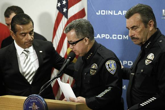 Los Angeles Mayor Antonio Villaraigosa, left, Riverside Police Chief Sergio Diaz and L.A. Police Chief Charlie Beck at a news conference at which they announced a $1-million reward for information leading to the arrest and conviction of suspected killer Christopher Jordan Dorner.