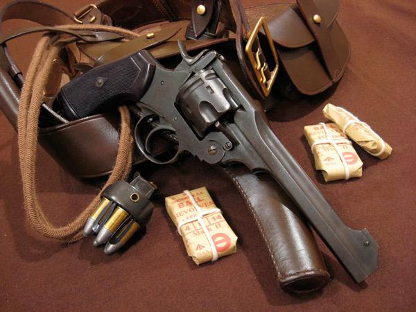 Револьвер British Webley с изобретением Придо