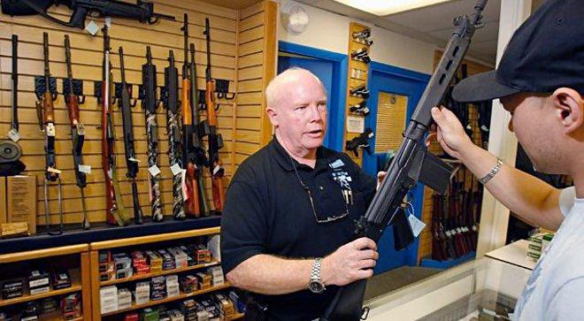 В городе Колорадо хотят сделать владение оружием  обязательным