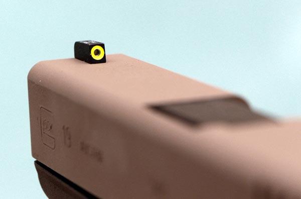 Мушка AmeriGlo ProGlo на пистолете Glock 19
