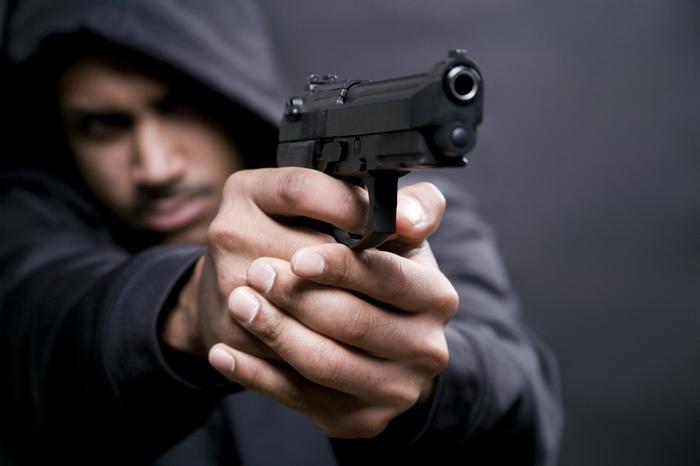 Угроза пистолетом