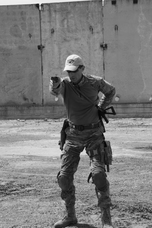 taktika-pistol.JPG