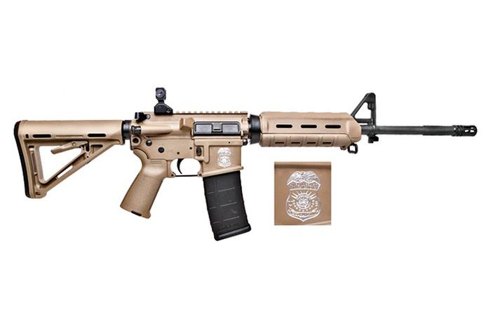 Карабин M400 5,56мм для Министерства внутренней безопасности. Цвет винтовки - Flat Dark Earth, магазин также с гравировкой.