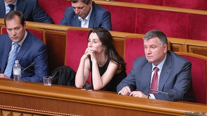 Раніше президент Порошенко казав, що очолити Національну поліцію може заступниця міністра внутрішніх справ Ека Згуладзе