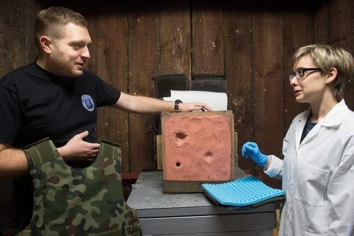 Випробування захисного шару з неньютонівською рідиною в Інституті Moratex