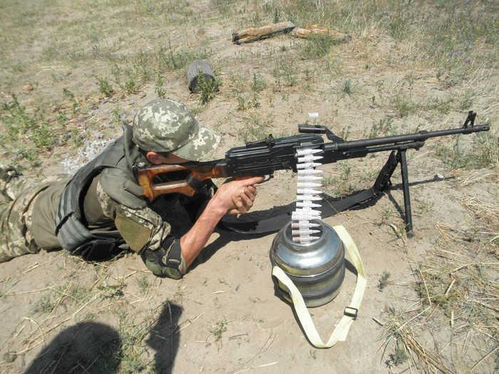 Випробування кулеметної стрічки з термопластів при -50 градусів