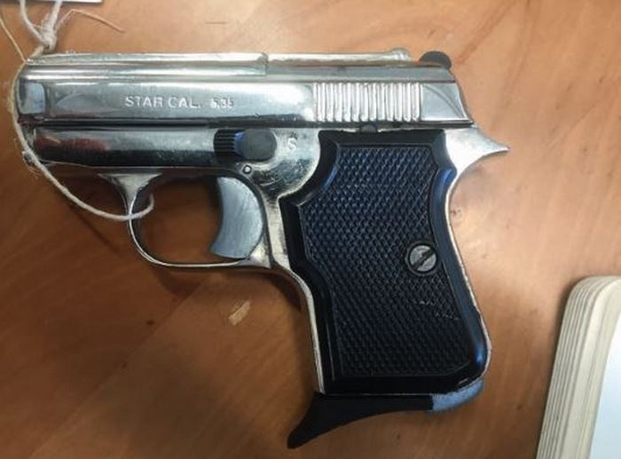 Конвертований стартовий пістолет Tanfoglio GT 28, вилучений в Іспанії.
