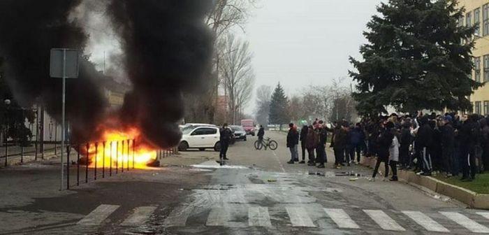 У Каховці тривають масштабні протести