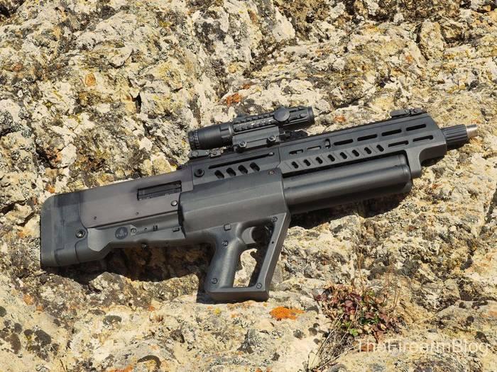 Рушниця IWI Tavor TS12 з подовженим чоком.