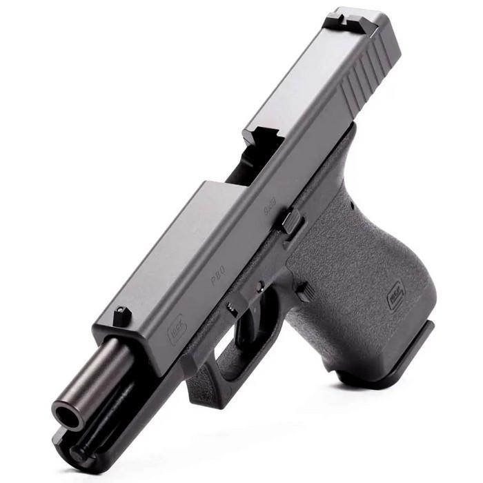 Одразу після виграшу контракту на поставку армії, модель P80 з'явилась на цивільному ринку під назвою Glock 17.