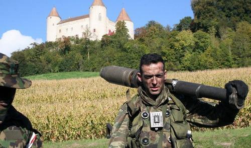 Армия швейцарии не единственная